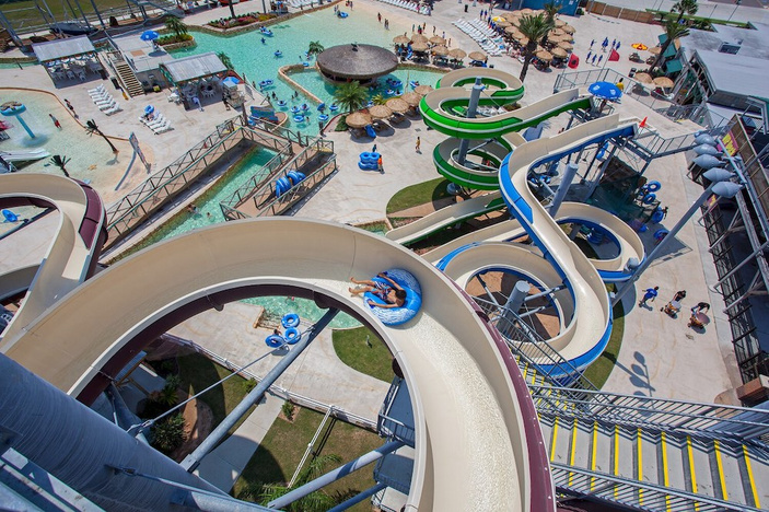 1 of 2 Corpus Christi waterparks reopens