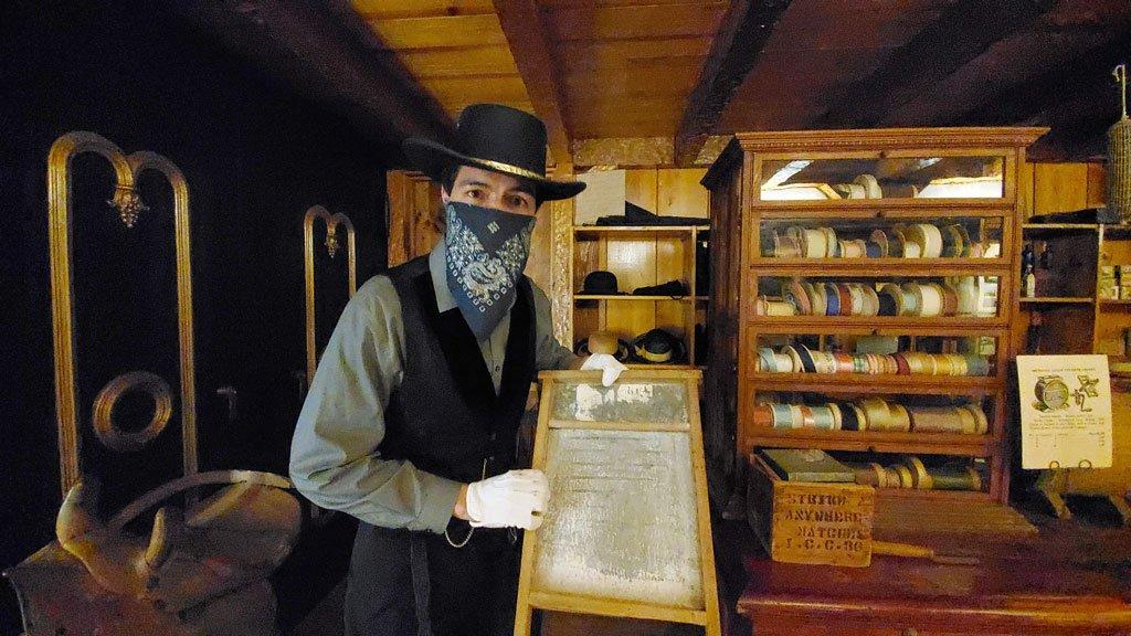 Corpus Christi museum re-enactors bring back Old West