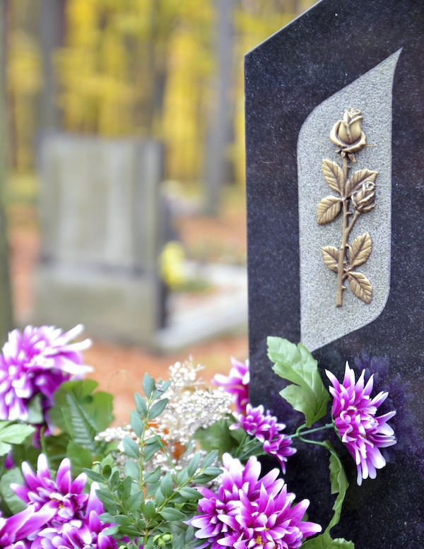 5 Things You Need To Know When Choosing A Headstone